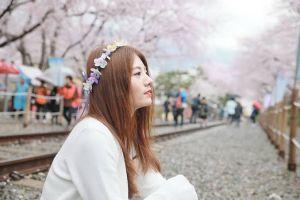 8 Potret Raon Lee, YouTuber cantik yang suka cover soundtrack anime