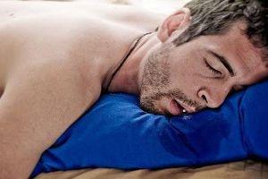 5 Penyebab orang suka ngiler kalau pas lagi tidur, kamu pasti pernah