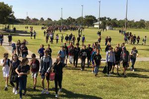 Ribuan siswa bolos sekolah, alasannya bikin haru