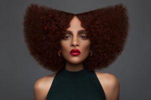 6 Pesona model Afro kulit hitam ini bukti cantik nggak harus putih