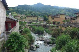 Musuhan selama 3 abad, dua desa berdamai karena pasangan ini