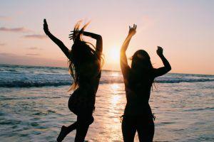 Ini 5 alasan kenapa ngobrol bareng orang introvert itu seru abis