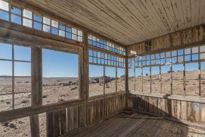 Kolmanskop, kota yang dulu sangat makmur dan kini terkubur pasir