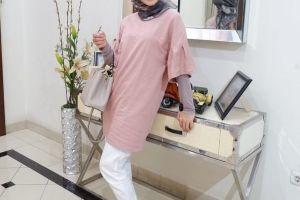 7 Gaya hijab Ratna Galih, mantan Raffi Ahmad yang makin menawan
