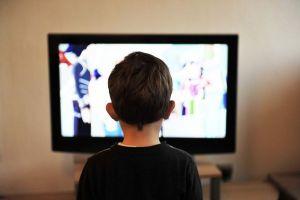 Para ilmuwan menjelaskan jika televisi mempengaruhi warna mimpi kita