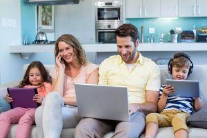 4 Alasan mengapa kamu harus mengurangi main gadget