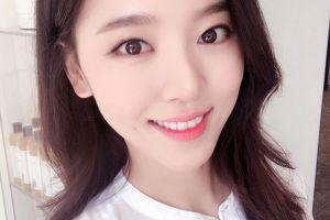 10 Potret Kang Han Na, pemeran Hye Won di drama Familiar Wife