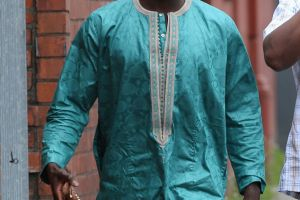 Bintang Liverpool ini terekam membersihkan area wudu di masjid lokal