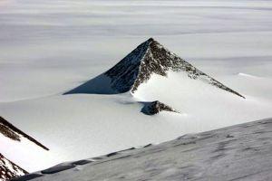5 Penampakan menghebohkan yang pernah tertangkap Google Earth