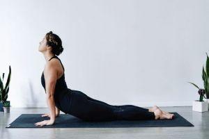 14 Gerakan yoga ini bisa dilakukan jika seharian duduk di kantor
