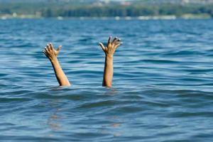 5 Hal yang harus dilakukan saat terdampar di laut akibat kecelakaan