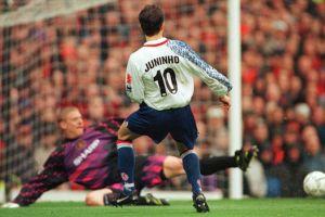 15 Gol terbaik EPL di era tahun 90-an, nostalgia nih guys!
