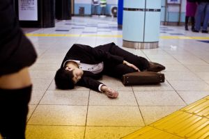Kerja 12 jam lebih sehari, orang Jepang makin kekurangan waktu tidur
