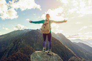 Mendaki bisa jadi kegiatan seru buat pemula lho, begini 5 tipsnya