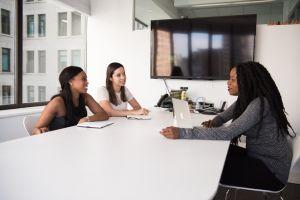Tips memilih ruangan nyaman untuk meeting kantor