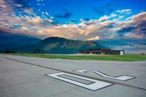 10 Potret keindahan Pakyong, salah satu bandara menawan di dunia