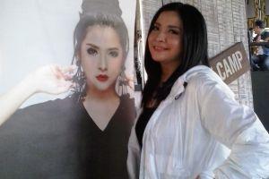 Tips menjaga pita suara ala Restina, solois asal Kota Kembang