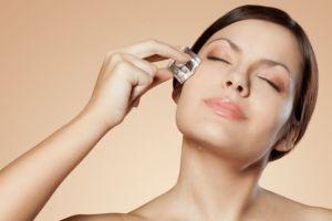 Ini 5 manfaat es batu untuk kecantikan wajah
