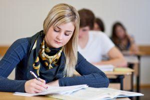 Meski tak mudah, ini 4 tips sukses menempuh masa studi