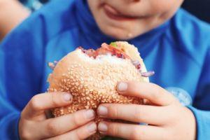 Ini lho 4 negara yang penduduknya doyan mengonsumsi fast food