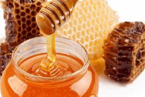 Manfaat madu untuk kesehatan dan kecantikan yang tak kamu sadari