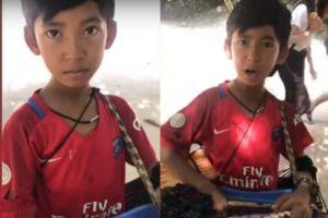 Bocah penjual suvenir asal Kamboja ini jago 7 bahasa asing, keren!