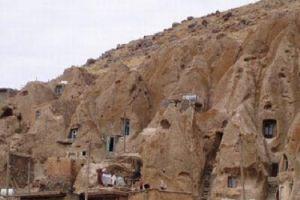 Menelusuri 7 rumah bawah tanah terbaik, ada yang seperti rumah hobbit