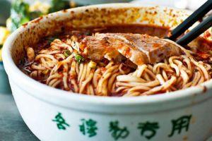 Berencana pergi ke China, 4 etika makan ini perlu kamu perhatikan