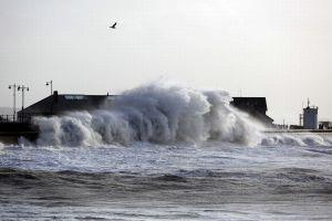 Ini dia bentuk tembok laut anti badai bahkan tsunami