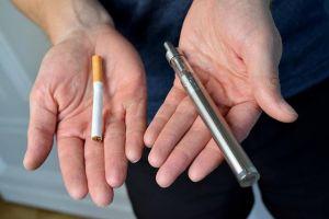 Rokok elektrik e-cigarette 'Vape' yang dilematis, lebih amankah?