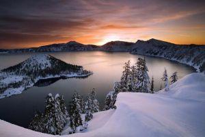 10 Danau kawah terindah di dunia ini amat memanjakan mata