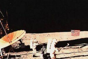Alan Shepard, orang pertama yang bermain golf di Bulan