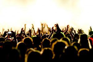 3 Tips agar kamu bisa pergi dan nonton festival musik dengan bahagia