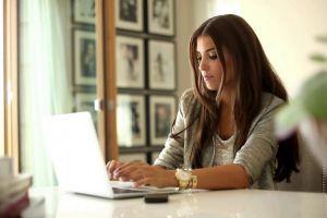 Hasil studi tunjukkan wanita tak suka dandan andal jadi pimpinan
