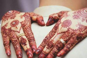 Jadi seniman henna, Yanti raup untuk Rp 4-15 juta per bulan