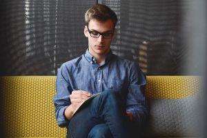 5 Sikap ini membuat seorang introvert menjadi pribadi lebih kuat