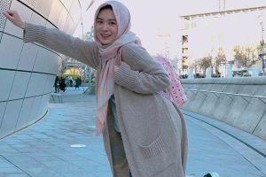 5 Outfit hijabers ini cocok dipakai pas liburan, nyaman & santai
