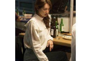 6 Inspirasi 'office look' Shin Min Ah dalam serial Tomorrow With You