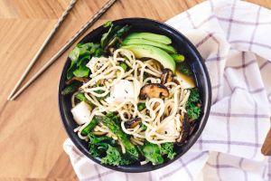 Begini 5 cara mudah menjadikan mie instan sebagai makan sehat