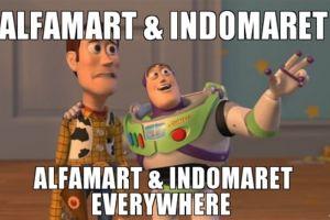 10 Meme kocak rivalitas Indomaret dan Alfamart ini bikin ngakak