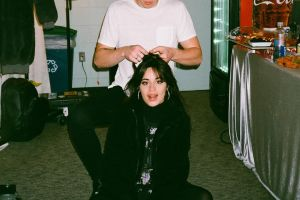 8 Potret friendship goals Shawn Mendes dan Camila Cabello