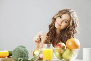 Konsumsi 5 makanan ini untuk mengatasi masalah ketombe