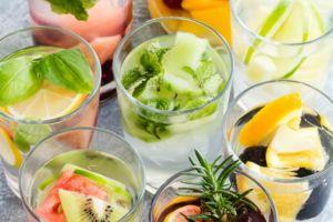 6 Khasiat infused water, minum air putih dengan cara berbeda