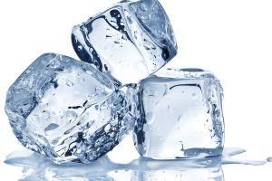 Benarkah minum es bisa menghambat haid? Ini penjelasannya