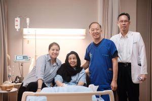 Kisah Tya Ariestya temani sang Bunda berjuang melawan tumor otak