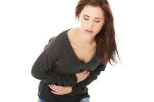 Sakit perut akibat makan pedas, atasi dengan  4 cara sehat ini