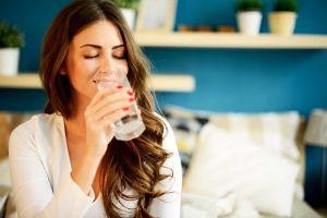 6 Tanda kekurangan asupan cairan tubuh ini bikin kesehatan terganggu