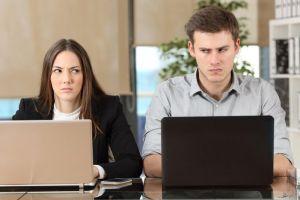 6 Tips untuk menghadapi rekan kerja yang cuek