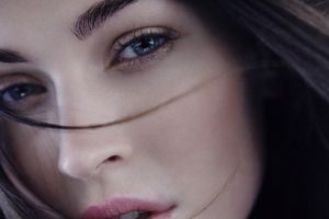 10 Selebritas wanita ini memiliki mata terindah, siapa saja mereka?