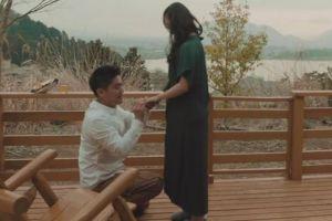 Cara 6 artis melamar pasangannya ini bikin baper, sweet abis